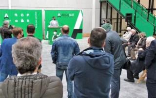 Íñigo Puncel inaugurando la nueva planta